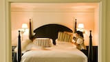 Farmhouse Inn - Forestville Hotels