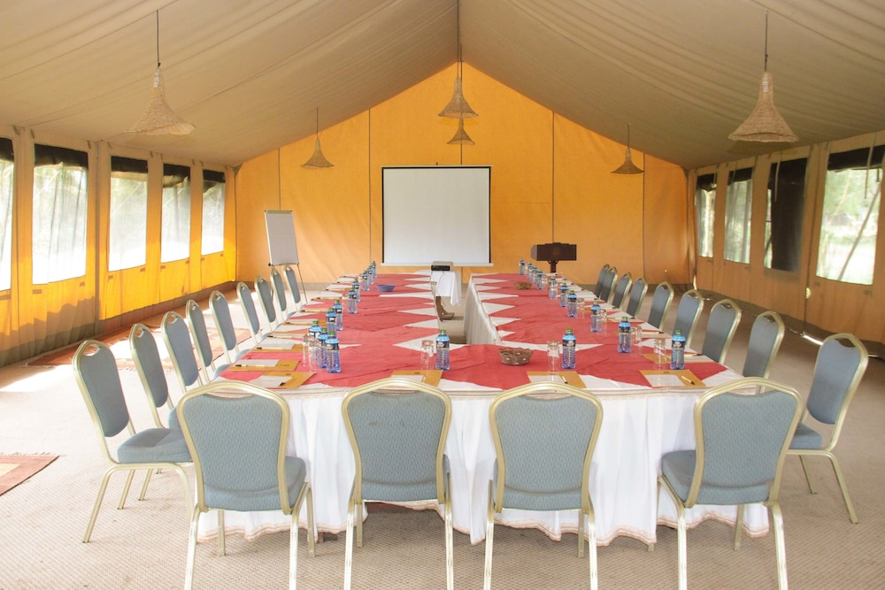 Meeting Facility, Sweetwaters Serena Camp