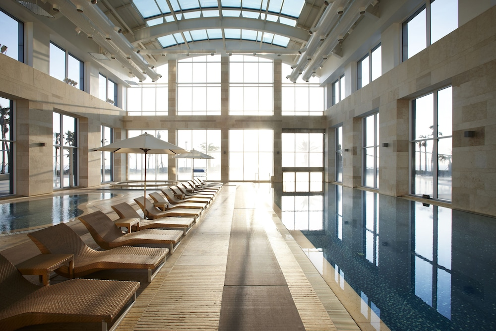 Indoor Pool, Haevichi Hotel and Resort Jeju