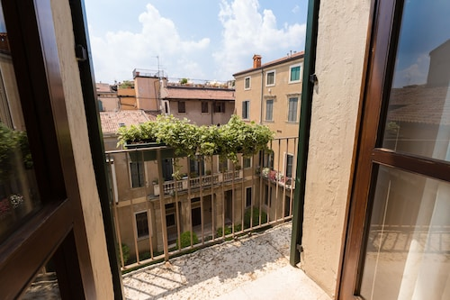 Escalus Luxury Suites Verona
