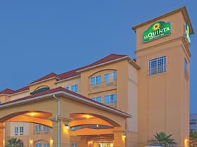 La Quinta Inn & Suites by Wyndham Columbus TX