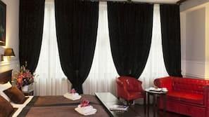 Pillowtop-Betten, Minibar, Zimmersafe, kostenpflichtige Babybetten