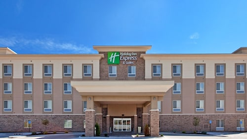 Great Place to stay Holiday Inn Express Hotel & Suites TOPEKA NORTH near Topeka