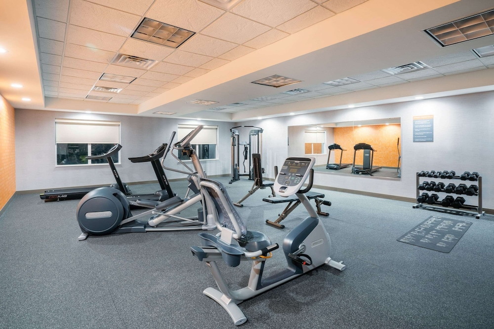 Fitness Facility, La Quinta Inn & Suites by Wyndham Montgomery