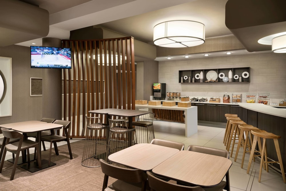 Restaurant, SpringHill Suites by Marriott Ewing Princeton South