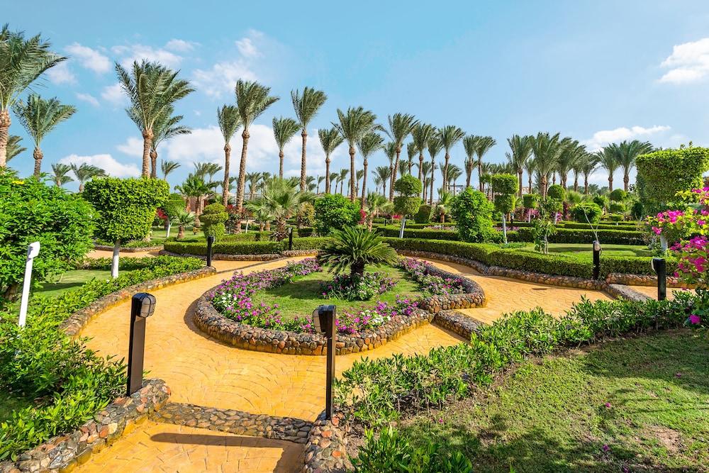 Hawaii riviera aqua park resort in hurghada hotel rates for Hawaii le jardin 5