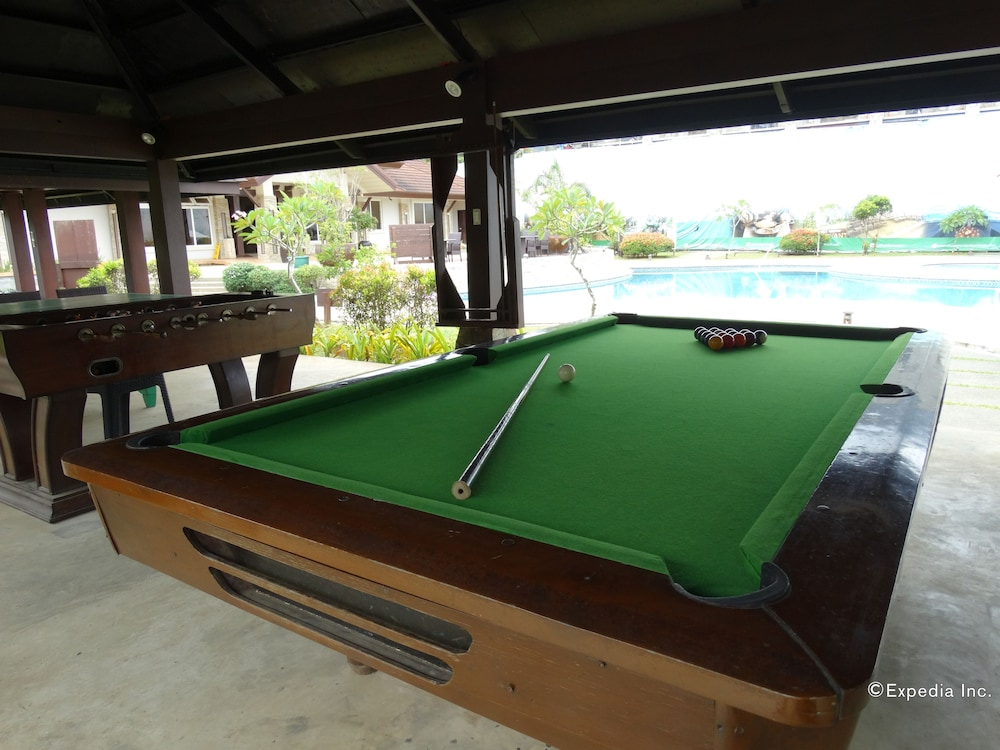 Billiards, Sheridan Beach Resort & Spa
