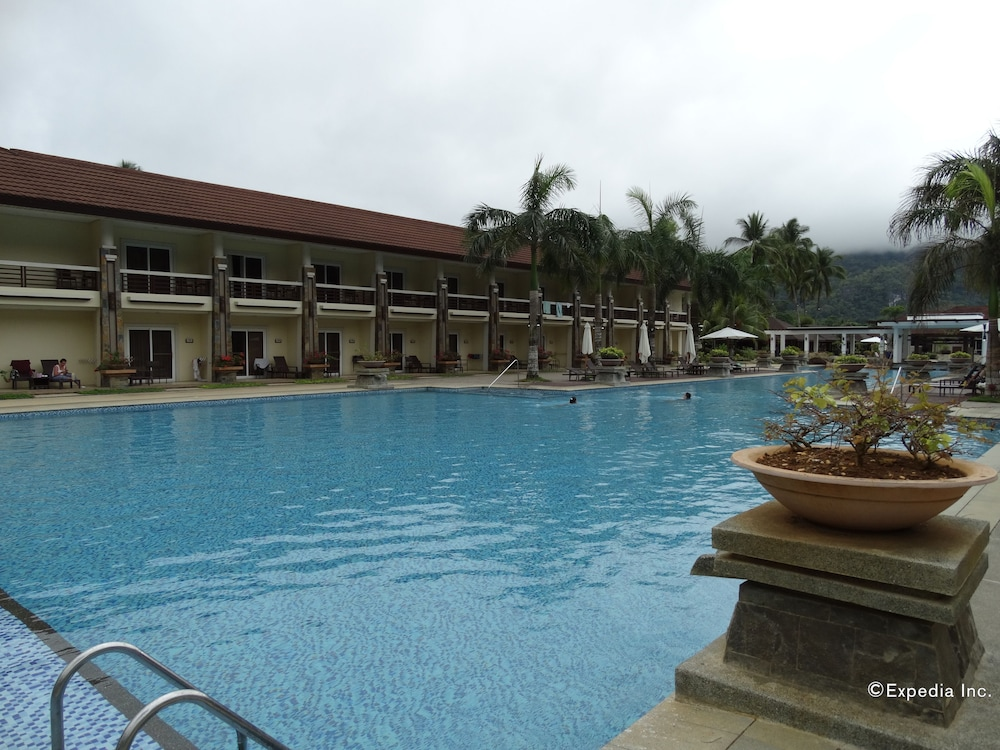 Outdoor Pool, Sheridan Beach Resort & Spa