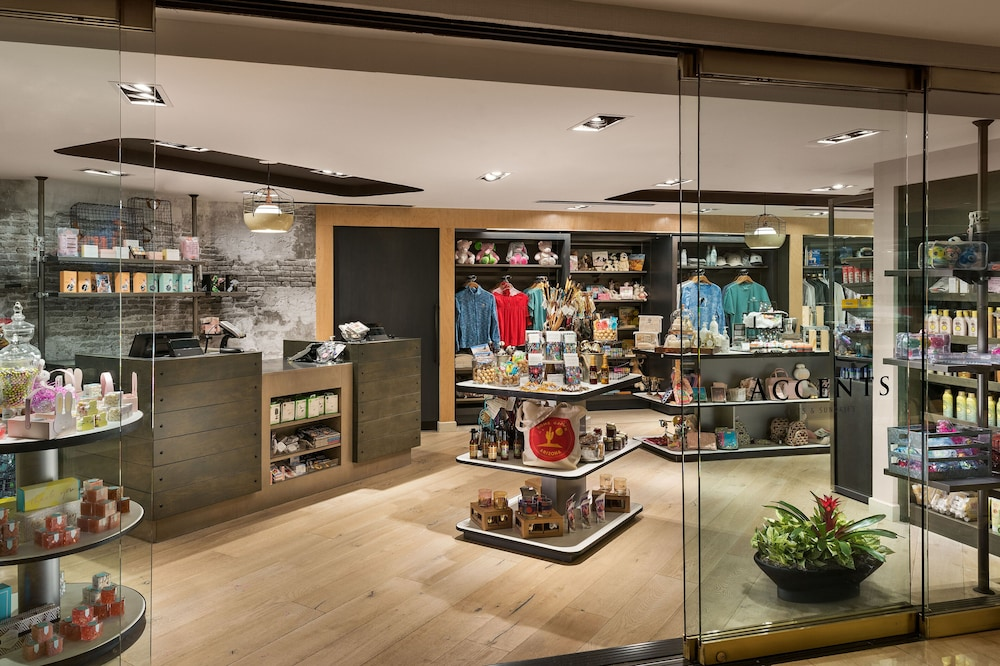 Gift Shop, The Canyon Suites at The Phoenician, Luxury Collection