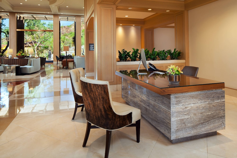Lobby, The Canyon Suites at The Phoenician, Luxury Collection