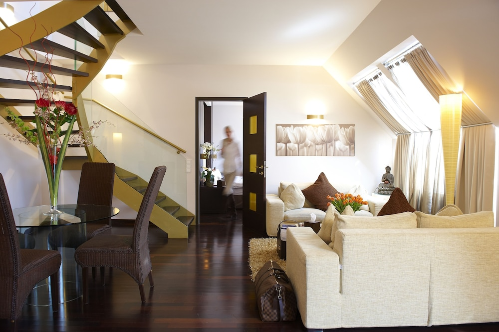 Penthouse, 2 Bedrooms (2 floors) - Featured Image