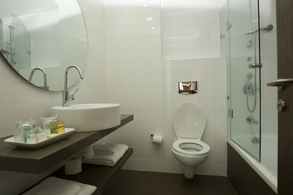 Bathroom, Nof Ginosar Hotel