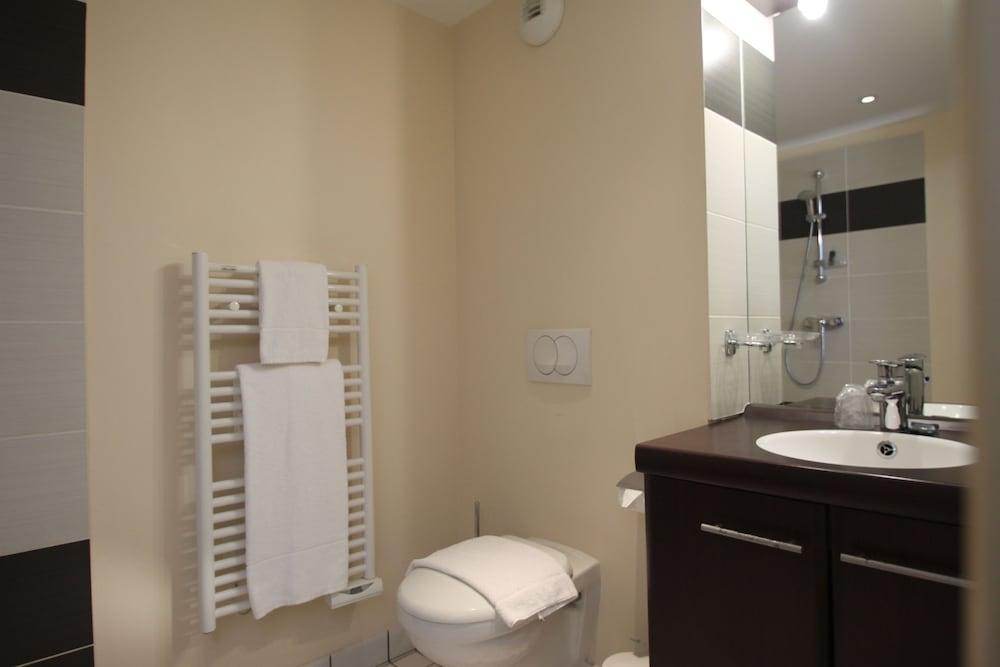 Bathroom, ANCOR HOTEL