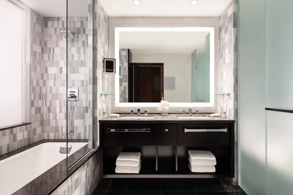 Bathroom, The Ritz-Carlton, Los Angeles
