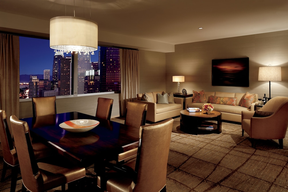 Living Room, The Ritz-Carlton, Los Angeles