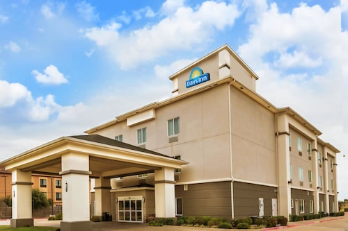 Days Inn & Suites by Wyndham Mineral Wells