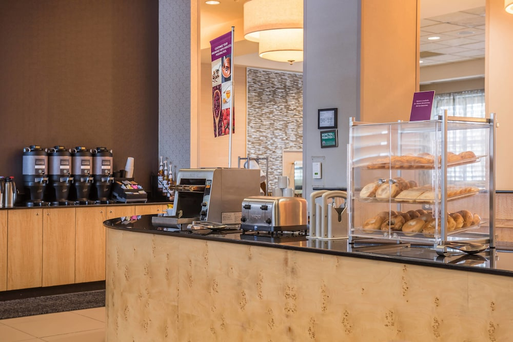 Breakfast buffet, Residence Inn by Marriott Pittsburgh North Shore