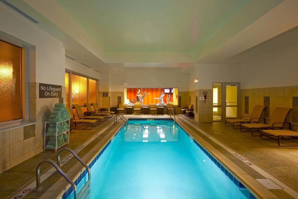 Pool, Residence Inn by Marriott Pittsburgh North Shore