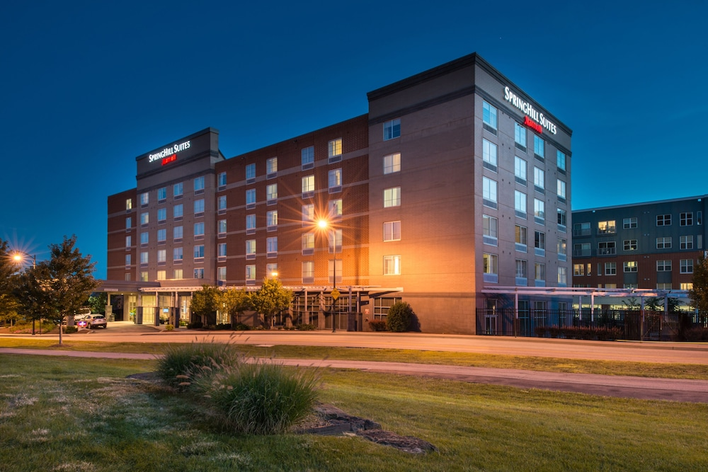 Front of Property - Evening/Night, SpringHill Suites by Marriott Pittsburgh Southside Works