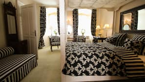 Frette Italian sheets, premium bedding, desk, free WiFi