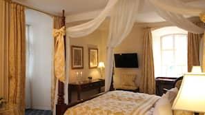 Italienske lagner fra Frette, premium-sengetøj, skrivebord, gratis Wi-Fi