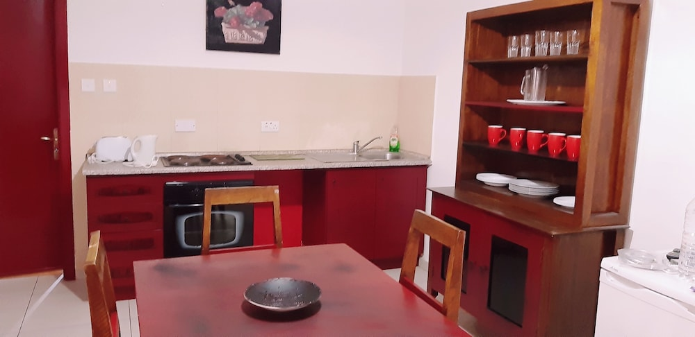 Private Kitchen, The Seven Apartments