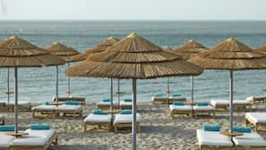 On the beach, free beach shuttle, sun-loungers, beach umbrellas