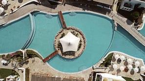 Indoor pool, 12 outdoor pools, pool umbrellas, sun loungers