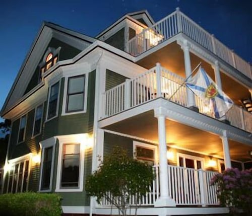 Check Expedia for Availability of Arbor View Inn