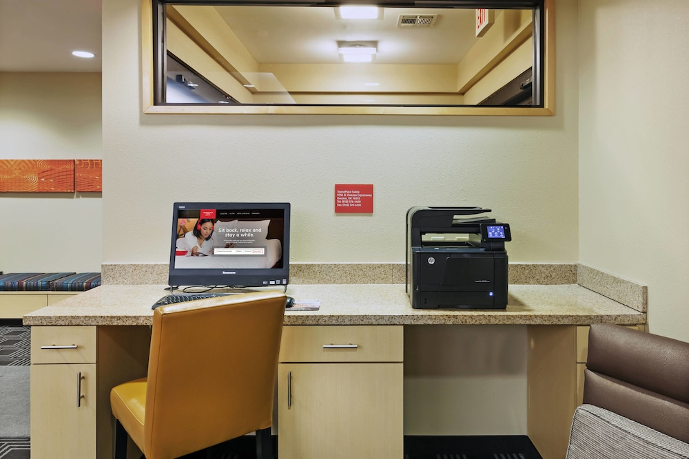 Business Center, TownePlace Suites by Marriott North Owasso