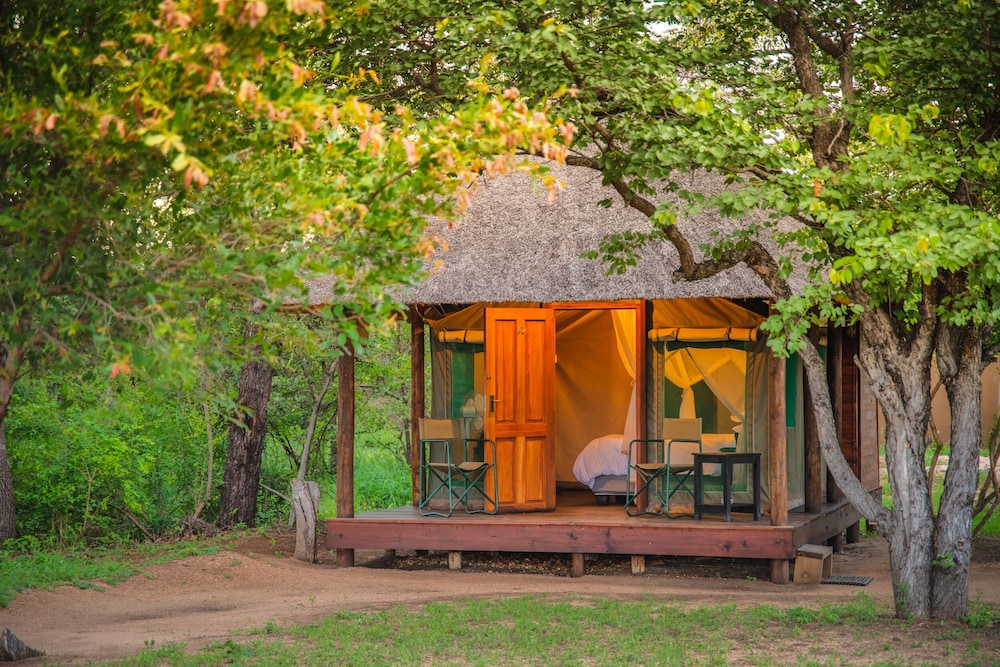 Front of Property, Shindzela Tented Safari Camp