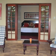 Gateway Country Lodge - Guest House