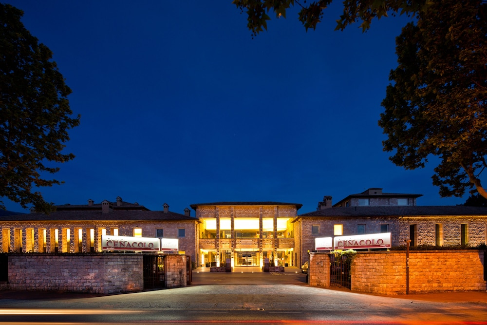 Front of Property - Evening/Night, Hotel Cenacolo