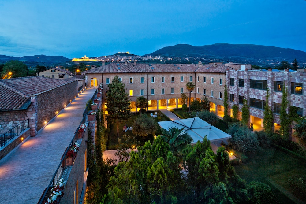 Featured Image, Hotel Cenacolo