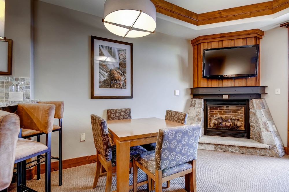 In-Room Dining, One Ski Hill Place, A RockResort