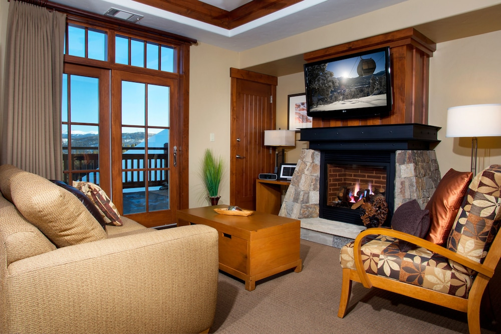 Living Area, One Ski Hill Place, A RockResort