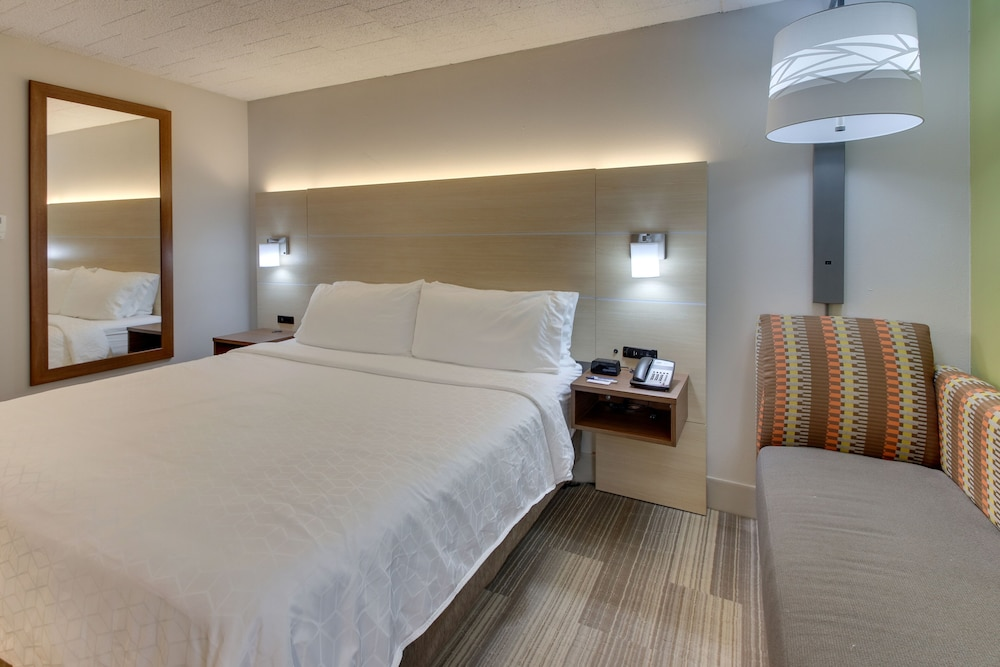 Room, Holiday Inn Express Pittston - Scranton Airport, an IHG Hotel