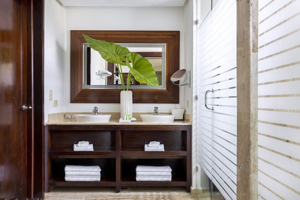 Bathroom, The Reserve At Paradisus Palma Real Resort All Inclusive