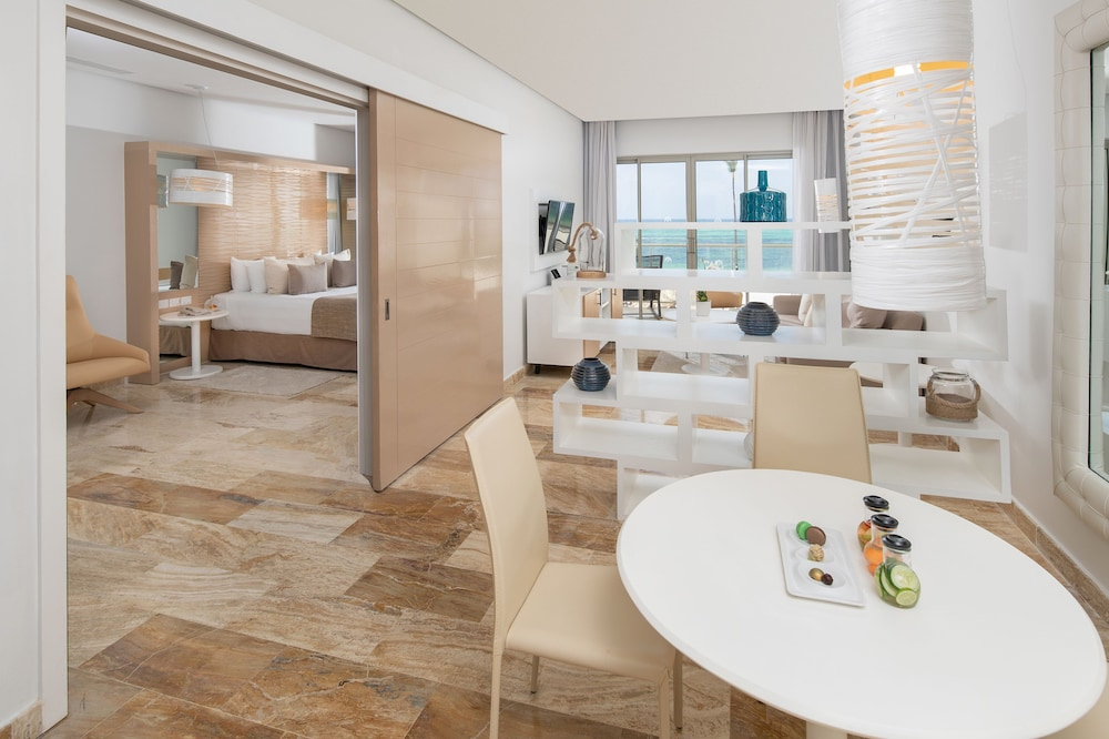 In-Room Dining, The Reserve At Paradisus Palma Real Resort All Inclusive