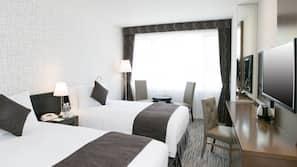 記憶棉床墊、房內夾萬、書桌、窗簾