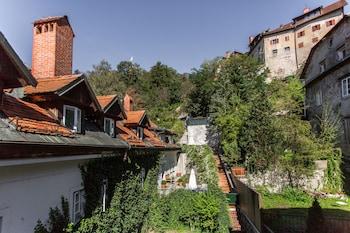 Gornji trg 7, 1000 Ljubljana, Slovenia.