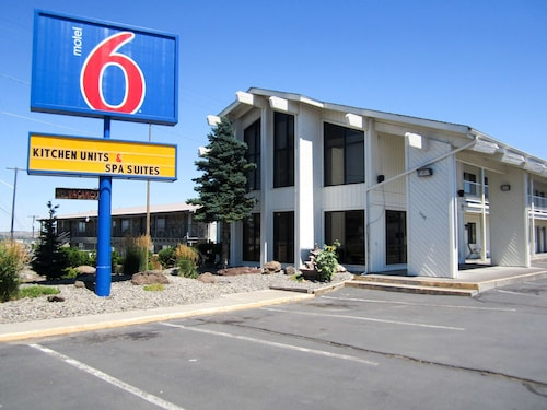 Motel 6 Madras, OR