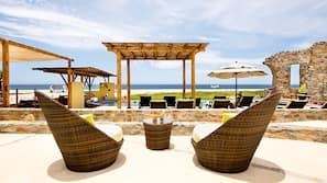 Beach nearby, beach shuttle, beach umbrellas, beach towels