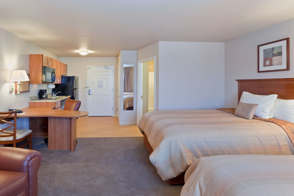 Room, Candlewood Suites Lakewood, an IHG Hotel