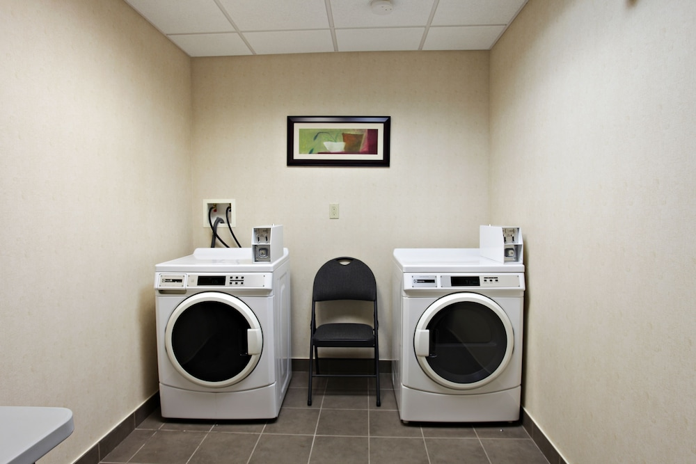 Laundry Room, Holiday Inn Express Hotel & Suites Kincardine - Downtown, an IHG Hotel