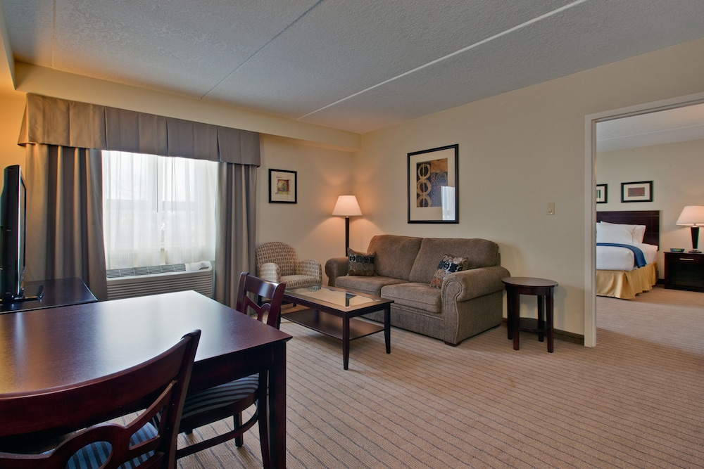 Room, Holiday Inn Express Hotel & Suites Kincardine - Downtown, an IHG Hotel