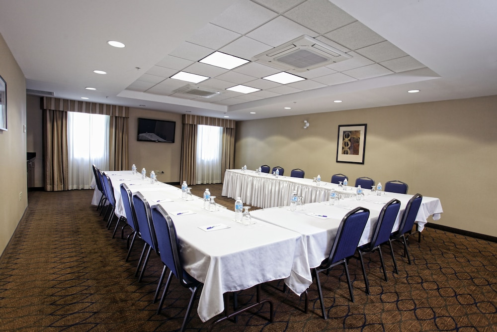 Meeting Facility, Holiday Inn Express Hotel & Suites Kincardine - Downtown, an IHG Hotel