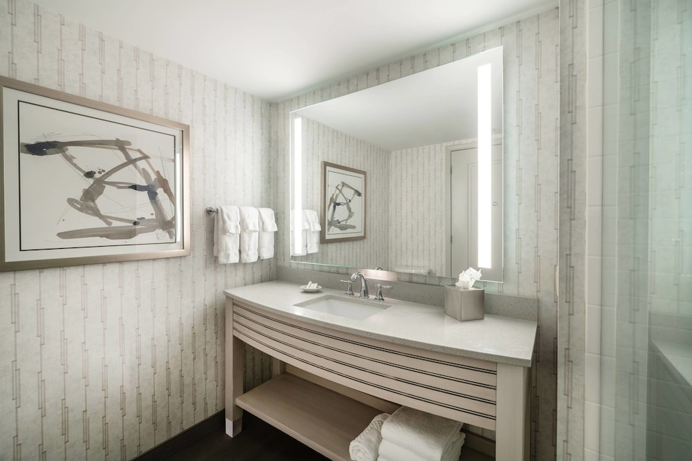 Bathroom, Residence Inn by Marriott Portsmouth Downtown/ Waterfront