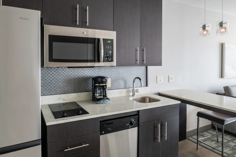 Private Kitchenette, Residence Inn by Marriott Portsmouth Downtown/ Waterfront