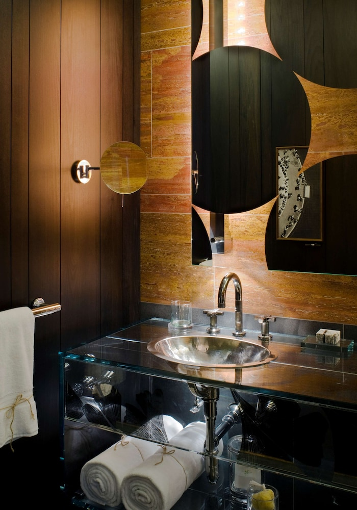 Bathroom, Andaz 5th Avenue - a concept by Hyatt